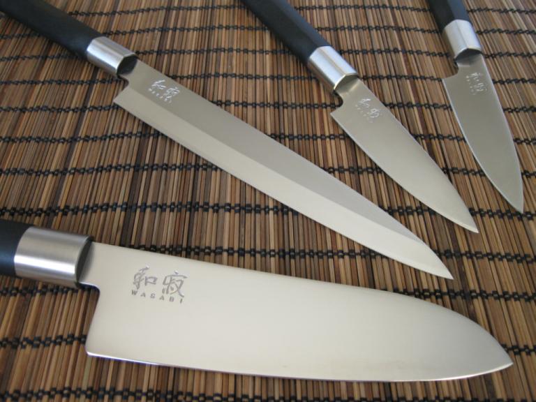 Нож KAI Wasabi 6723L, 23 cm, филетиране